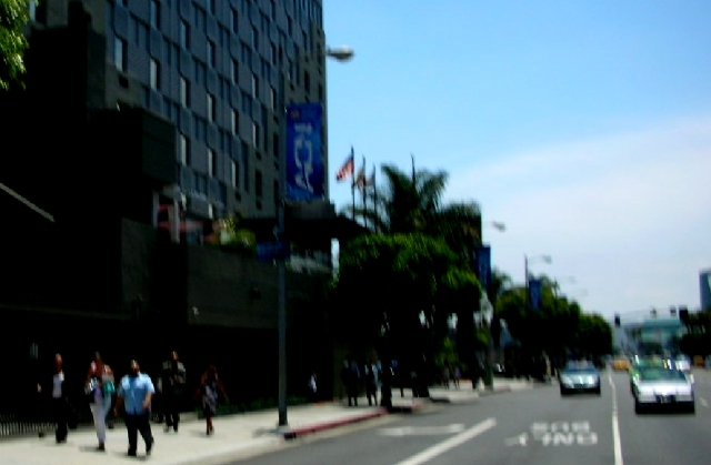 ACN_20Y_Celeb_Street4