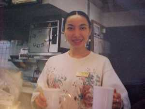 Lily_serve w smile